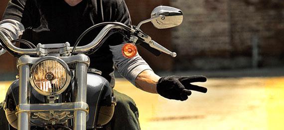 Cosa insegna il saluto fra motociclisti nella vendita
